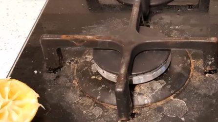 Fornelli della cucina sporchi e incrostati: un trucchetto economico e veloce per pulirli