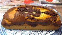 Plumcake variegato vaniglia e cacao: perfetto per una merenda golosa e genuina