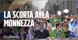 """Torre del Greco, in piazza contro la crisi rifiuti: """"Autocompattatori saranno scortati da polizia"""""""