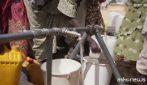 Più bambini uccisi da acqua non sicura che dai proiettili, l'allarme di UNICEF