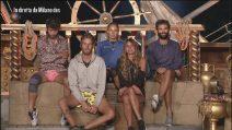 I finalisti dell'isola si confrontano poco prima dell'elezione del vincitore
