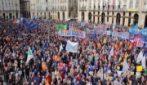 """Torino, diecimila persone """"Sì Tav subito"""" in piazza"""