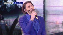 """Amici - Alberto canta"""" 'O Surdato 'Nnammurato"""" r """"O Sole Mio"""""""