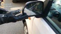 Milano, truffa dello specchietto mentre era ai domiciliari: arrestato 31enne