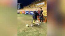 La giocata a effetto di Maradona: gol direttamente da calcio d'angolo