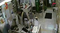 Rapinavano farmacie armati di ascia, arrestati due fratelli di Torre Maura