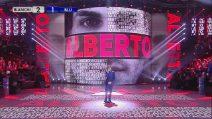 Amici 2019, Alberto Urso canta 'Accanto a te'