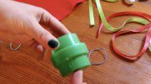 Come riutilizzare i tappi dei detersivi: l'idea di riciclo è davvero originale