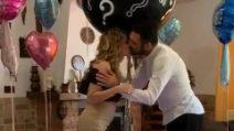 Il baby shower di Ursula Bennardo e Sossio Aruta: è una femminuccia