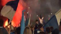Il Brescia torna in serie A: la festa dei tifosi in città
