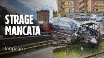 """Betoniera fuori controllo travolge auto sulla Casilina: """"L'autista tirato fuori in preda alle convulsioni"""""""