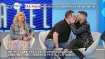 Franco Terlizzi bacia Cristian Imparato e stupisce lo studio di Mattino Cinque