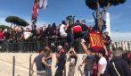"""I tifosi della Roma contestano la società: """"Noi non siamo americani"""""""