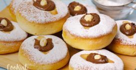 Italian donuts with hazelnut cream: fluffy and easy to make!