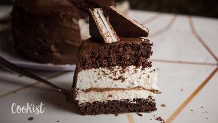 Chocolate and cream cake: the giant version of the best dessert ever!