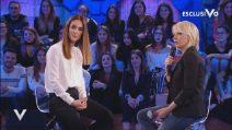 "Maria de Filippi punzecchia Alessandra Celentano: ""Sei vecchia dentro"""