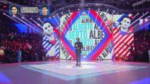 Amici 2019, Alberto Urso canta 'Accanto a te' nella sfida contro Vincenzo Di Primo