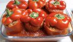 Peperoni ripieni al forno: un pranzo completo in un unico piatto