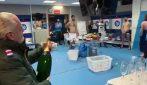 Il Napoli festeggia negli spogliatoi: De Laurentiis prova ad aprire lo champagne