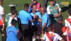 Malore durante la partita: l'arbitro muore ma il match non si ferma