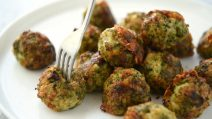 Broccoli cheese balls: a very easy and delicious side dish