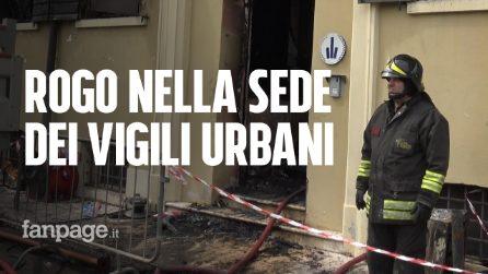 """Rogo nella sede dei vigili: due vittime. Una testimone: """"La gente chiedeva aiuto dai balconi"""""""