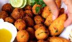 Frittelle di patate e baccalà: i vostri ospiti ne andranno matti