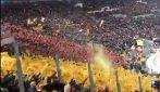 Tutto lo stadio è per De Rossi: i tifosi romanisti cantano per il Capitano