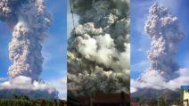 Eruzione spaventosa del vulcano Sinabung, la colonna di fumo è alta chilometri