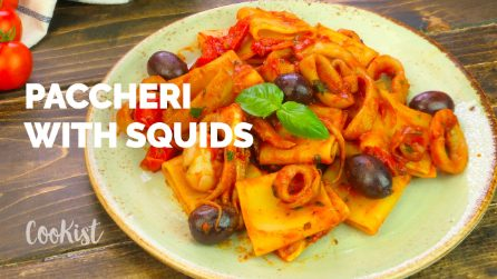 Paccheri with squids and tomato sauce: a quick pasta recipe that you can make in one pot!