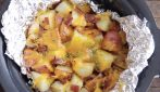 Slow cooker cheesy potato: the best way to make them with bacon too
