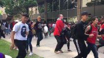 Spari tra la folla durante la parata dei Toronto Raptors: persone scappano in preda al panico