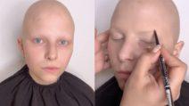 Non riesce a vedersi bella a causa della malattia: la make up artist realizza il suo desiderio