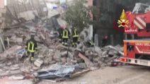 Crolla palazzina a Gorizia, persone sotto le macerie