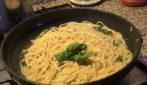 Spaghetti aglio, olio ed erbette aromatiche: la bontà dei sapori semplici