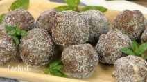 Mint chocolate truffles: an easy no-bake recipe!