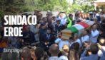 A Rocca di Papa l'ultimo saluto al Sindaco Crestini, la fidanzata: 'Rimarrai sempre con noi, ciao amore mio'