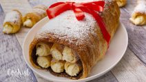 Puff pastry cannolo: with mini cannolis full of cream!