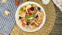 Panzanella croccante: il piatto estivo perfetto per un pranzo light e gustoso!