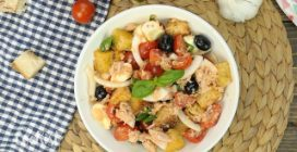 Panzanella: the famous Italian bread salad perfect for summer!