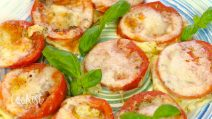 Baked parmesan tomatoes: a super quick and super easy side dish or appetizer for any occasion!