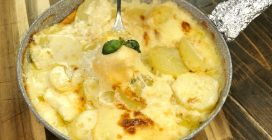 Easy one skillet scalloped potatoes: creamy and full of cheese!