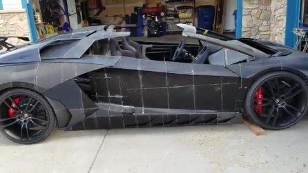 Stampano una Lamborghini in garage: padre e figlio realizzano qualcosa di fenomenale
