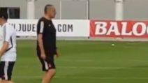 Sarri dirige il suo primo allenamento della Juventus alla Continassa