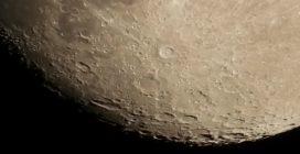 Giove duetta con la Luna nel cielo: le straordinarie immagini della congiunzione astrale