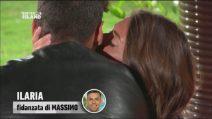 Ilaria vede Massimo con Elena e trova conforto tra le braccia di Javier