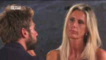 """Il falò di confronto tra Nicola e Sabrina: """"Non esco con te"""", """"No, sono io che non esco con te"""""""