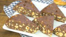 Bolo de biscoito crocante sem assar: pronto com apenas 4 ingredientes em 10 minutos!