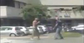 Terni, prende la pistola del carabiniere e spara contro il militare: il video choc