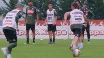 Finta di Mertens, gol di Callejon: un calcio di punizione magistrale